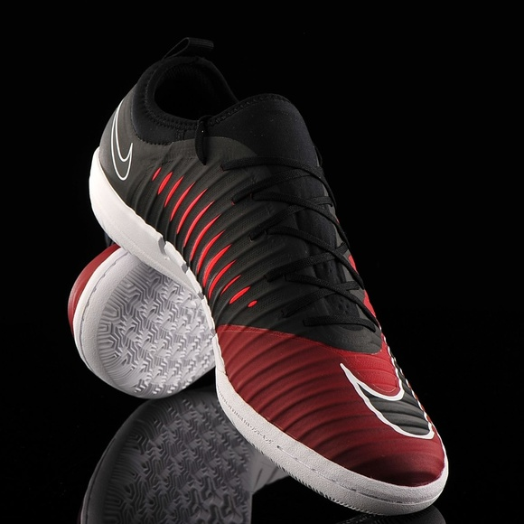 sports shoes ccf76 2084e Nike MercurialX Finale II IC Team Red Black Racer NWT